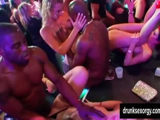grupinis seksas, orgija, šalis