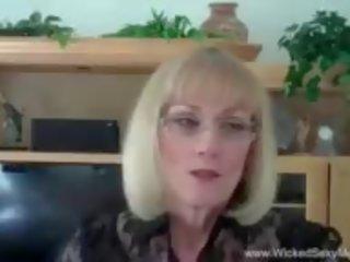 Стъпка мама needs изпразване от син, безплатно xnxx порно 13