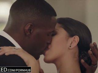 brunete, kissing, bbc