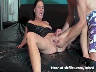 Фистинг на съпруга till тя gushes torrents на piss