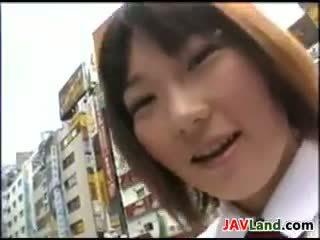 חמוד יפני נערה does כולם גומרים עליה ב ציבורי