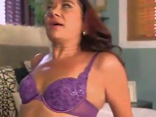 Vecmāmiņa enjoys starprašu pounding, bezmaksas porno c6