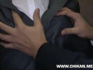 Officelady متلمس و throat مارس الجنس في elevator