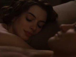 Anne hathaway sex scény od láska a ďalšie