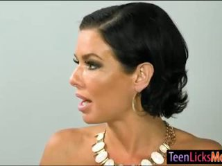 Cali sparks en veronica avluv lesbosex in de slaapkamer
