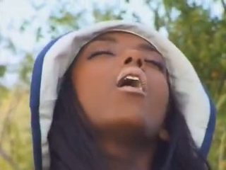 Ebony babe in the French countryside