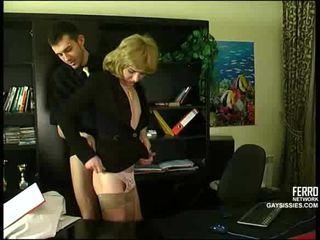 Seks s cd v pisarna