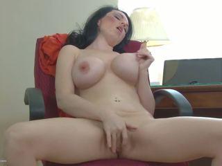 big boobs, jatuh tempo