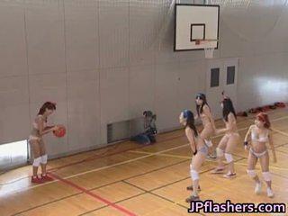 Basketbols atskaņotājs meitene jāšanās