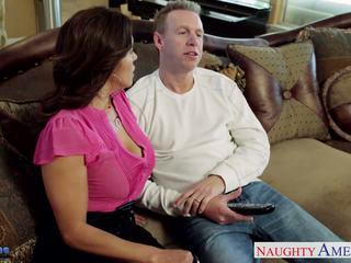 Krūtainas brunete skaistule francesca le gets nailed