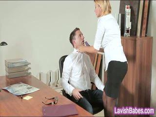 Zyrë vogëlushe anna polina banged real mirë