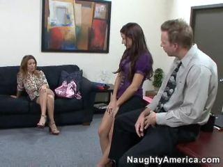 brunetă, linge, sex birou