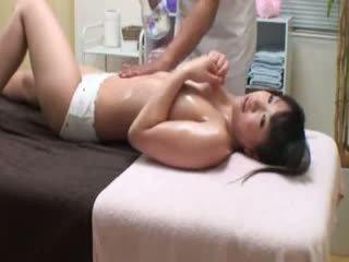 bruneta, voyér, masturbace
