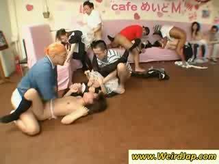 Tenger aziatisch maids gets kutjes geneukt hard