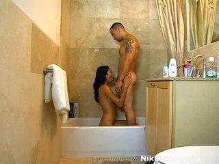 Xxx prinses nikki prijs taking de douche en de rod