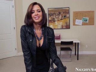 Wife Veronica Avluv Pecker Onto Erotic...