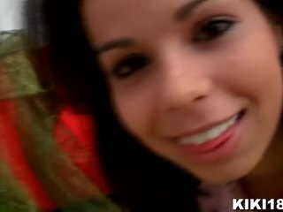 Kiki18 invites you to her ýatylýan otag to reveal you her little secret