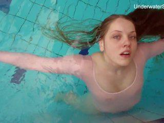 Rūdmataina simonna rāda viņai ķermenis zem ūdens: bezmaksas porno bc