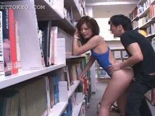 Bibliotheek hardcore neuken met heet aziatisch tramp in