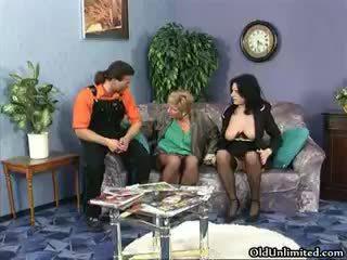 חרמן בוגר whores ללכת משוגע rubbing