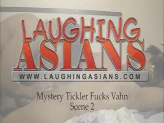 Mystery tickler fucks vahn