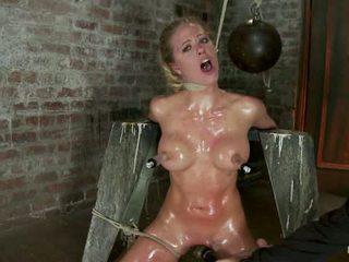 Elbows gebonden knees op hard wood nipple suction neck rope breath spelen gezicht neuken gemaakt naar cum1