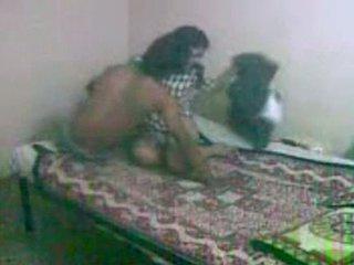 Innocent në kërkim të bengali gf getting fucked nga të saj bf