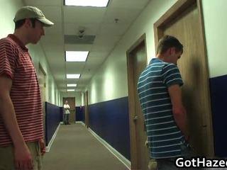 gejs stud paraut, geju kniedes blowjobs, gejs kniedes