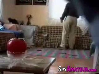 Arabic meisje geneukt hard door buur