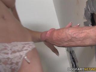 Mae meyers gets creampied līdz liels dicks - gloryhole: porno 79