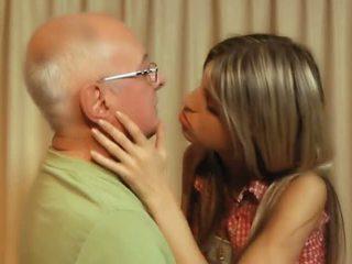brunetka, szczupły, całowanie