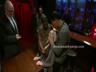 Blondie forced to fuck bar mates in çuň zoňtar mouth fuck and group göte sikişmek sikiş