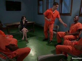 Tegan tate has band feito amor por pervertida prisoners