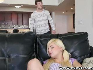 Exxxtrasmall zierlich blond babysitter alex wenig pounded von ein groß schwanz
