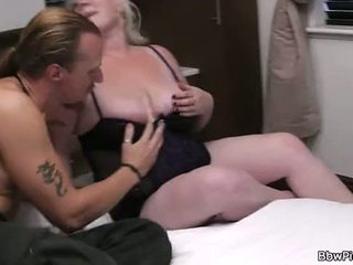 A man fucks chubby blonde