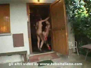 Roxana ardi e amica trombata 2 itališkas mėgėjiškas merginos fucke
