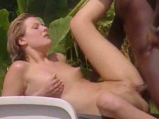לבן אישה meets שחור lover ב ג'מייקה