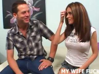 看 您 熱 妻子 getting pounded 由 an alpha male <span class=duration>- 15 min</span>