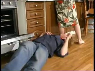 Russisk mamma og en unge plumber