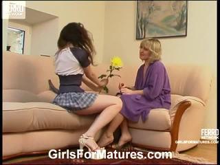 Virginia và juliet lezzy mẹ onto video