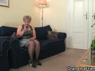 nagymama, nagyi, old fiatal
