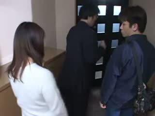 Jepang mama tertangkap dia husbands masturbate video