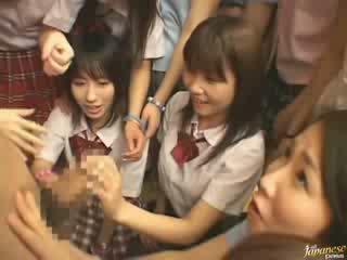 Japanilainen äiti teaching naapuri tytöt miten kohteeseen naida video-