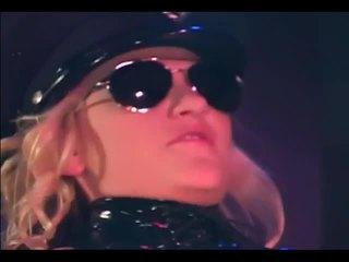 Blondine agent fucks verdachte in haar uniform