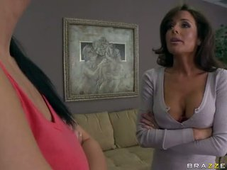 Sexy milf veronica avluv knullet og squirts video