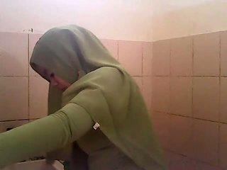 Spiegs gagal jilbab hijau