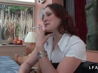 Jolie rousse francaise se fait defoncer le petit cul avant un bon 面部
