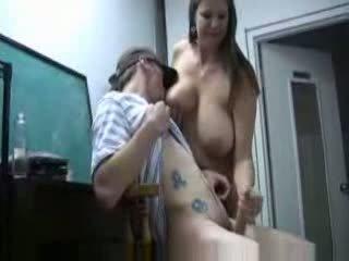 gros seins, les mamans et les garçons
