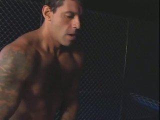 Një bela e o prisioneiro (2004)