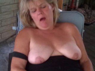 Heather บน the patio: ฟรี แม่ผมอยากเอาคนแก่ เอชดี โป๊ วีดีโอ 1d